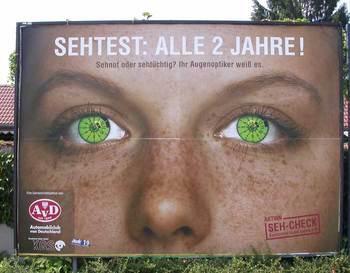 eyesw.jpg